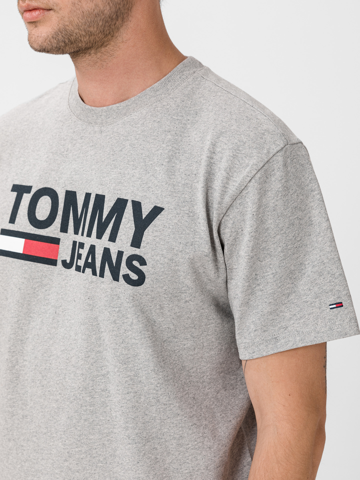 Triko Tommy Jeans (3)