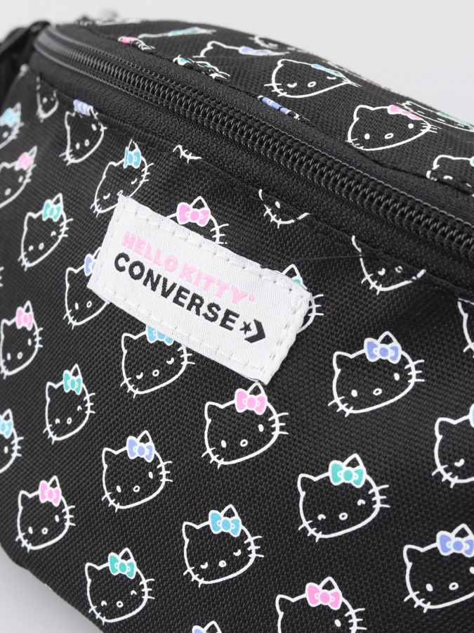 Ledvinka Converse Hello Kitty Flower Sling Pack (3)